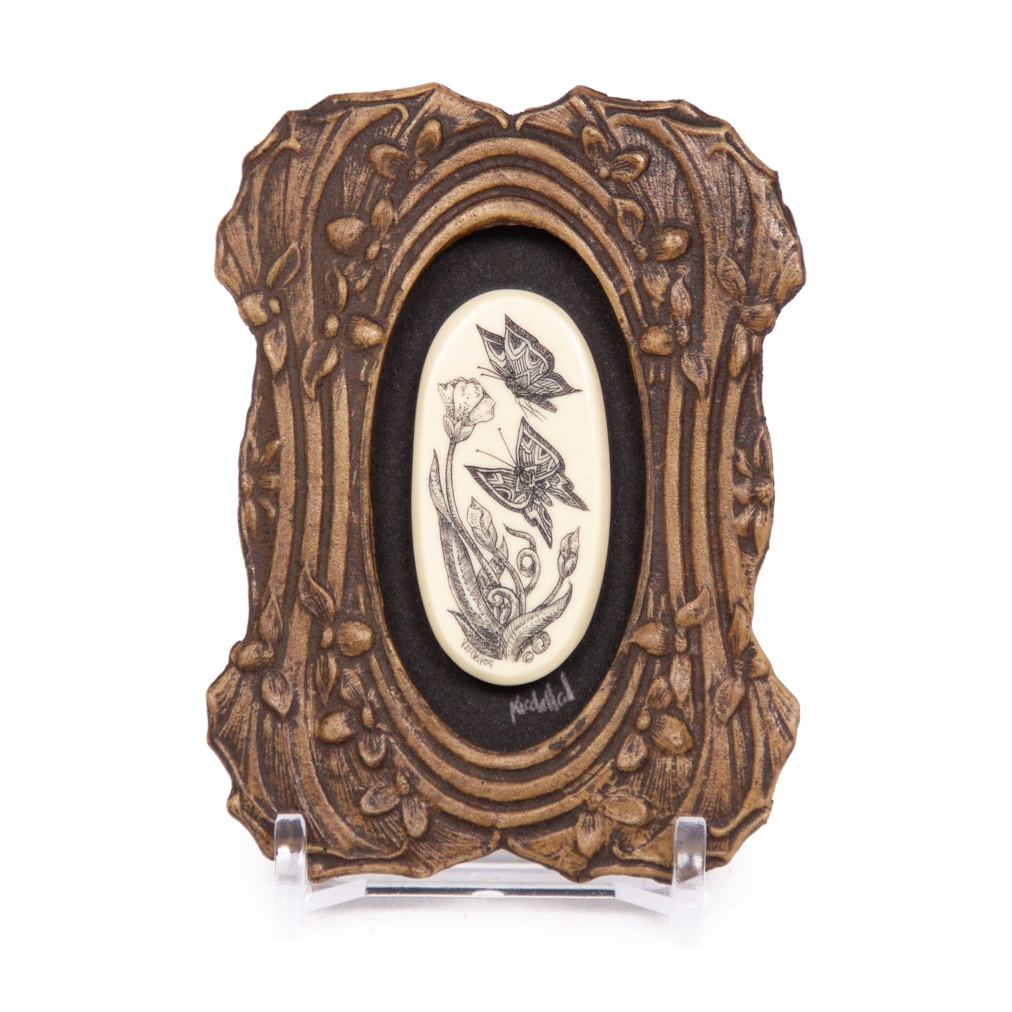 """Playing"" Mini Chip Carved Frame"