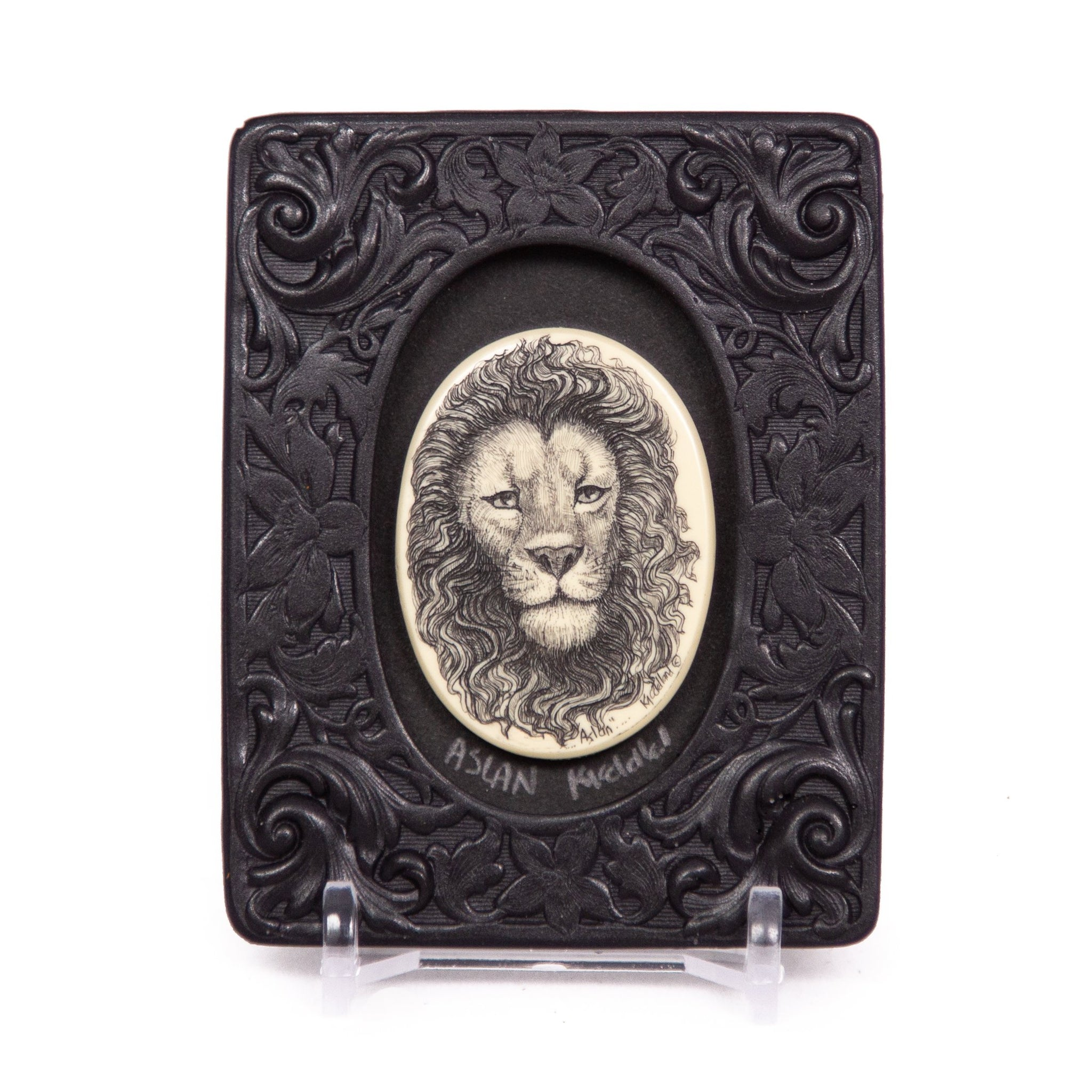 """Aslan"" Mini Chip Carved Frame"