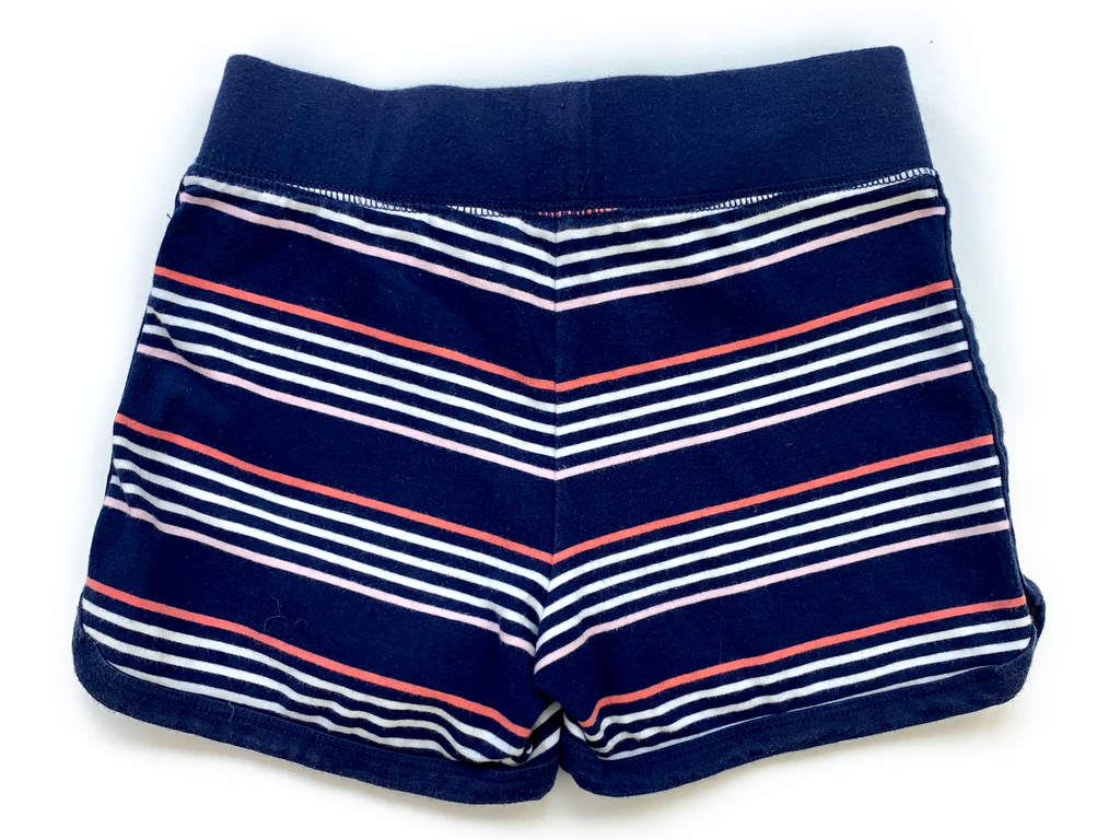 Tommy Hilfiger shorts - 6/7 yrs