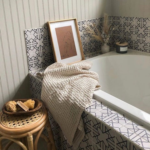 Antioche Bathtub Makeover