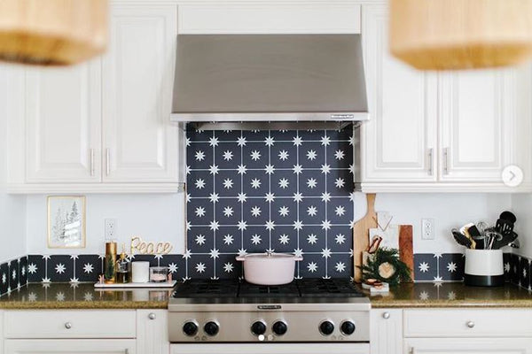 Kitchen Splashback update with black & white star pattern wallpaper from Quadrostyle