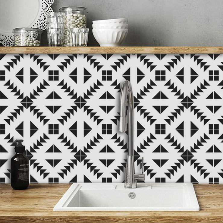 Zig Zag in Black Wallpaper