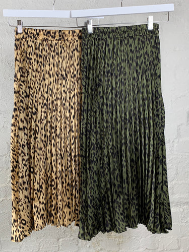 Running w Scissors Pleated Skirt || Leopard Print