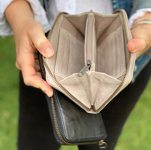 Rugged Hide - 'Lark' Zip around Leather Wallet
