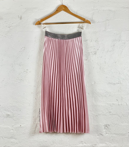 Running w Scissors Pleated Midi Skirt || Blush