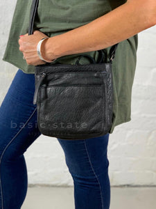 Rugged Hide Pam Small Cross Body Leather Bag Basic State