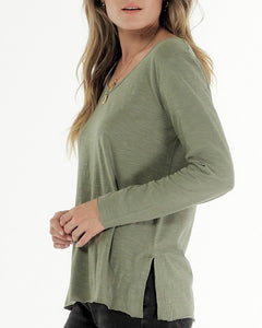 Clé Organic Basics || Abigale V Neck Long Sleeve Tee