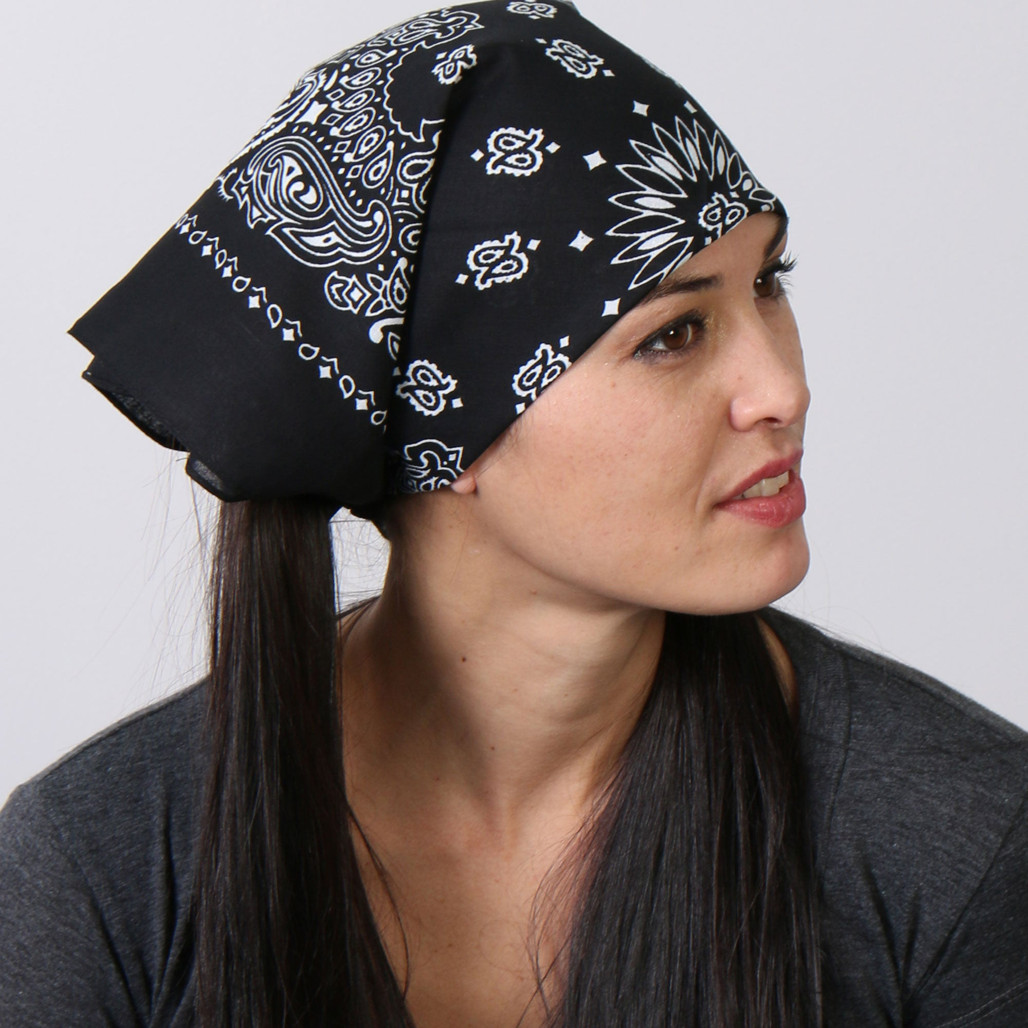 Hot Leathers Classic Black & White Paisley Bandana