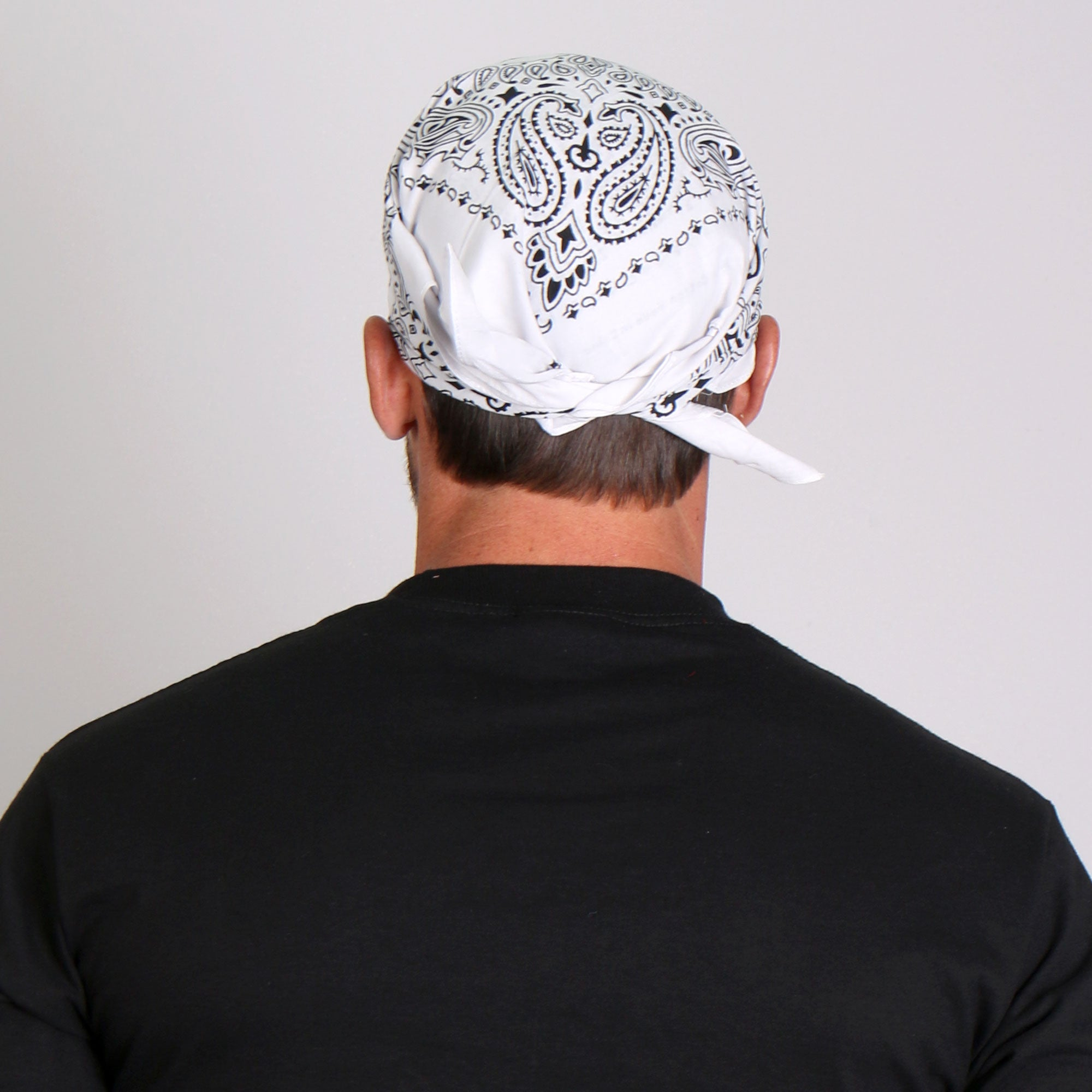 Hot Leathers Classic White Paisley Bandana