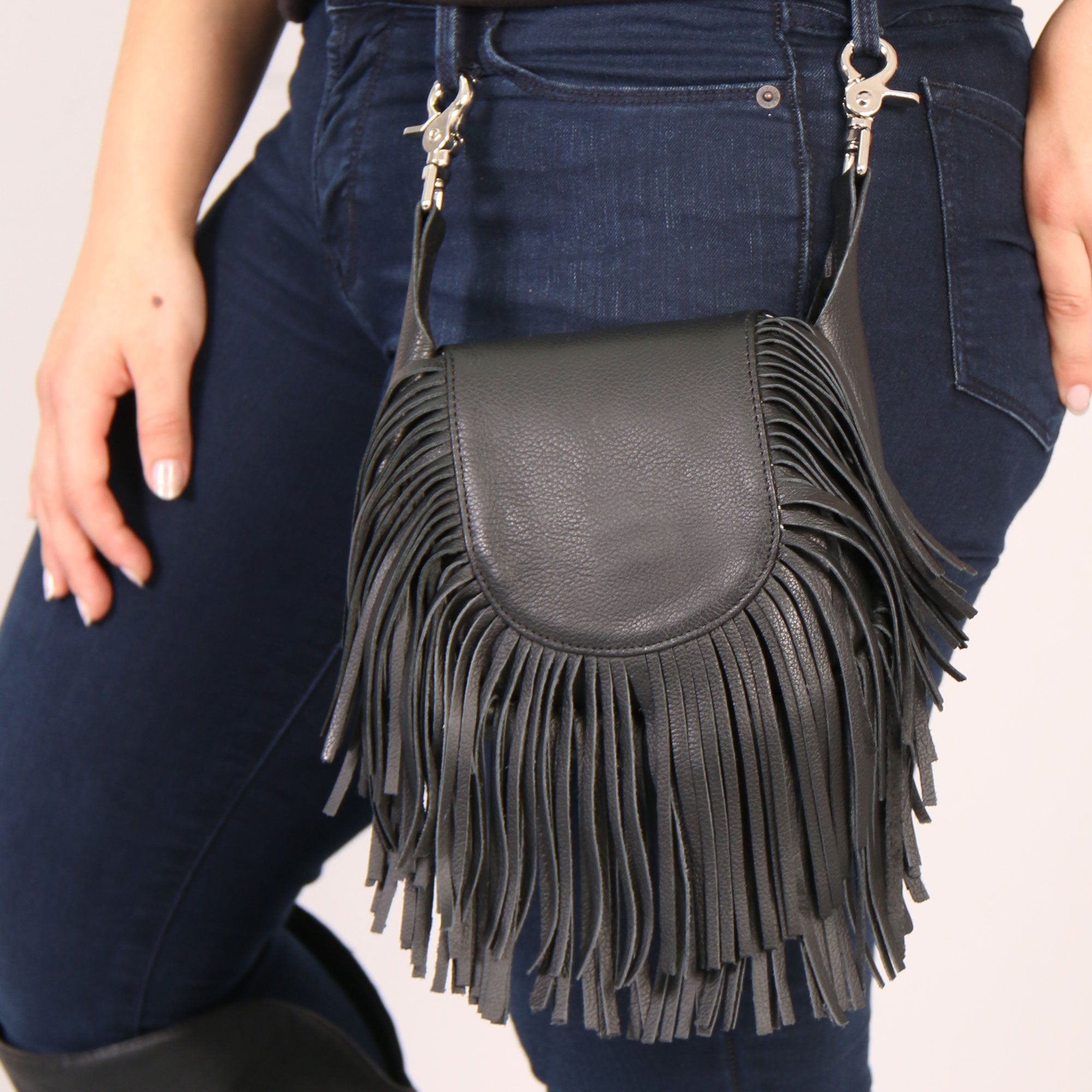 Hot Leathers Clip Pouch Purse with Fringe