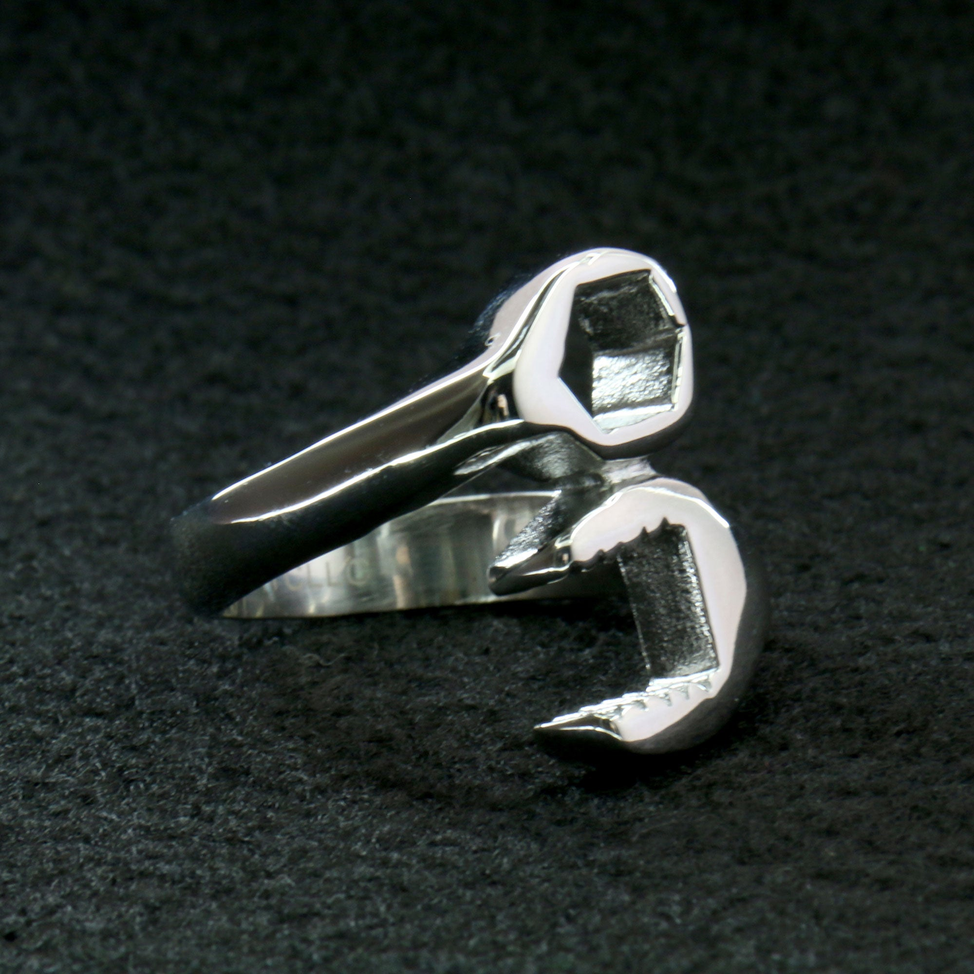 Hot Leathers Wrench Ring