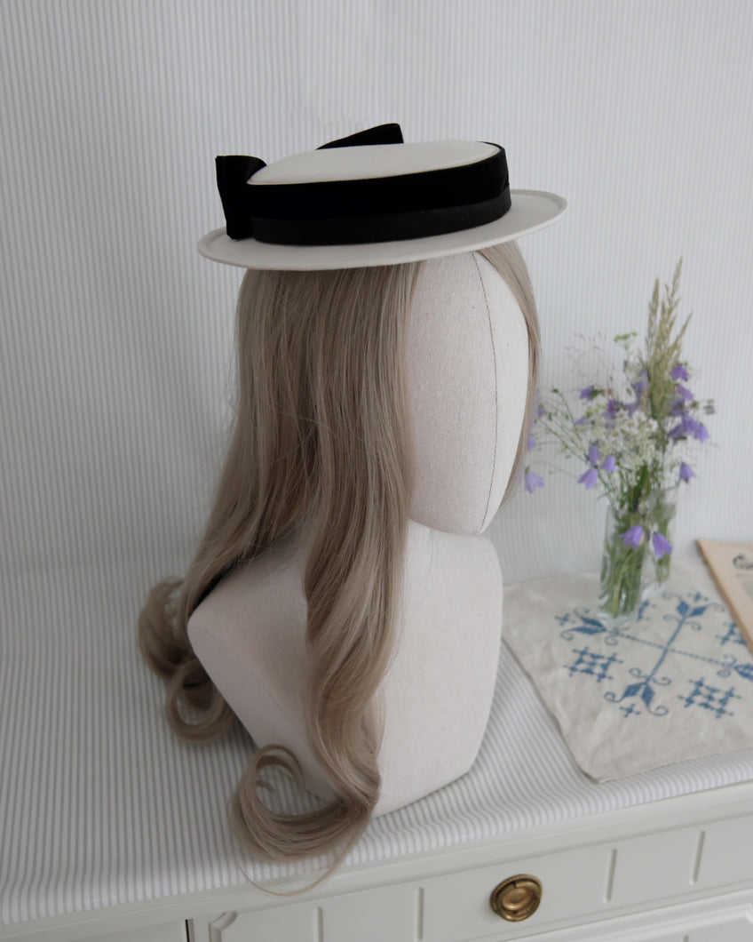 Petite Sailor hat in Ivory & Black