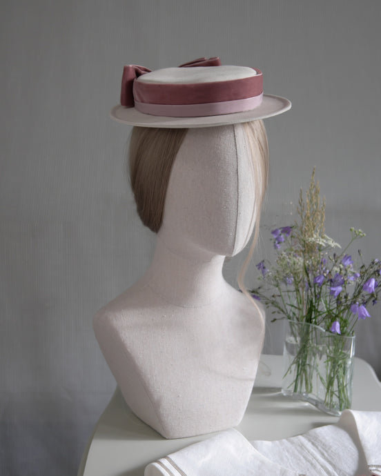 Petite Sailor hat in Ivory & Old Pink