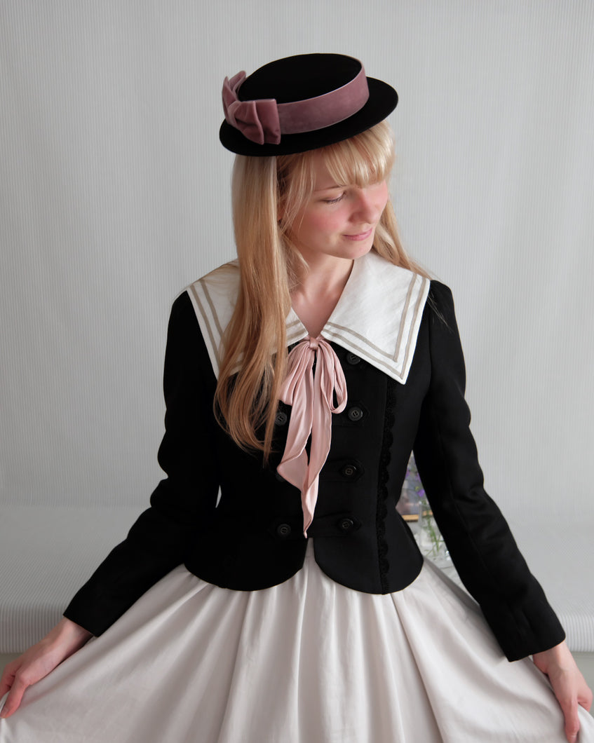Petite Sailor hat in Black & Old Pink