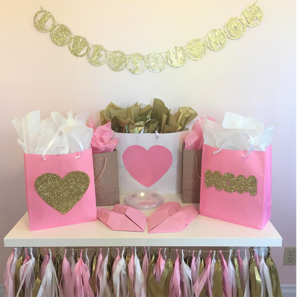 Mother's Day, Love Mom Pink & Gold Heart, Party in a Box