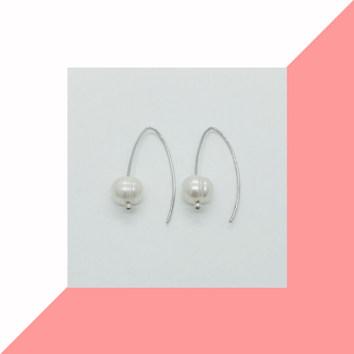 Single Pearl Earring