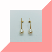Load image into Gallery viewer, Straight Bar and Pearl Earrings