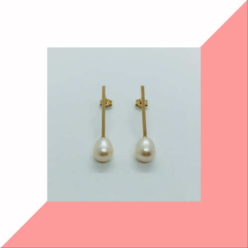 Straight Bar and Pearl Earrings