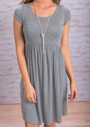 Ruffled O-Neck Mini Dress without Necklace - Gray