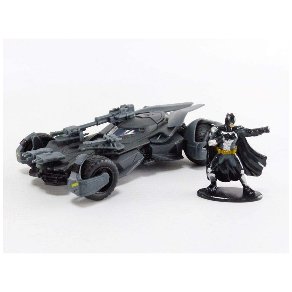 Jada Toys DC Justice League Batmobile & Batman 1:32 Diecast Car