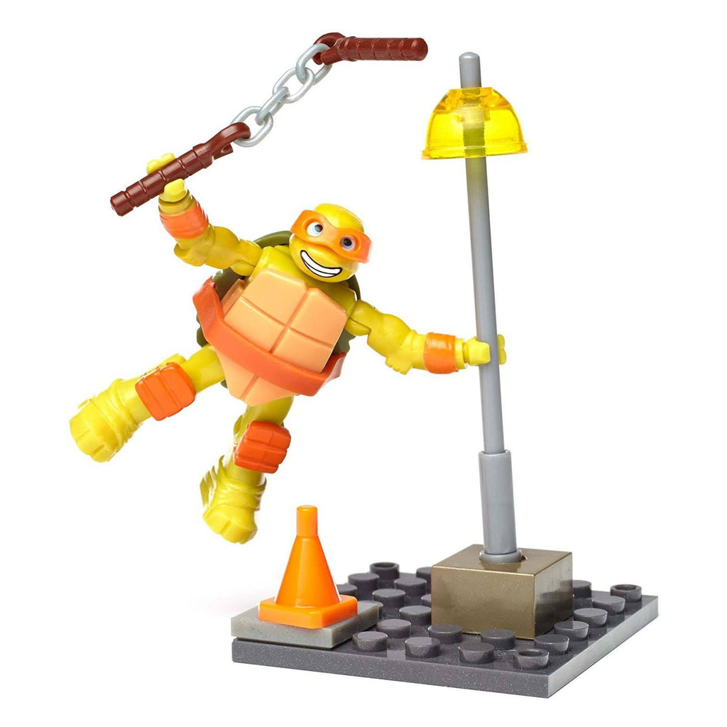 Mega Bloks Teenage Mutant Nina Turtles Mikey Streetlamp Slam Building Set