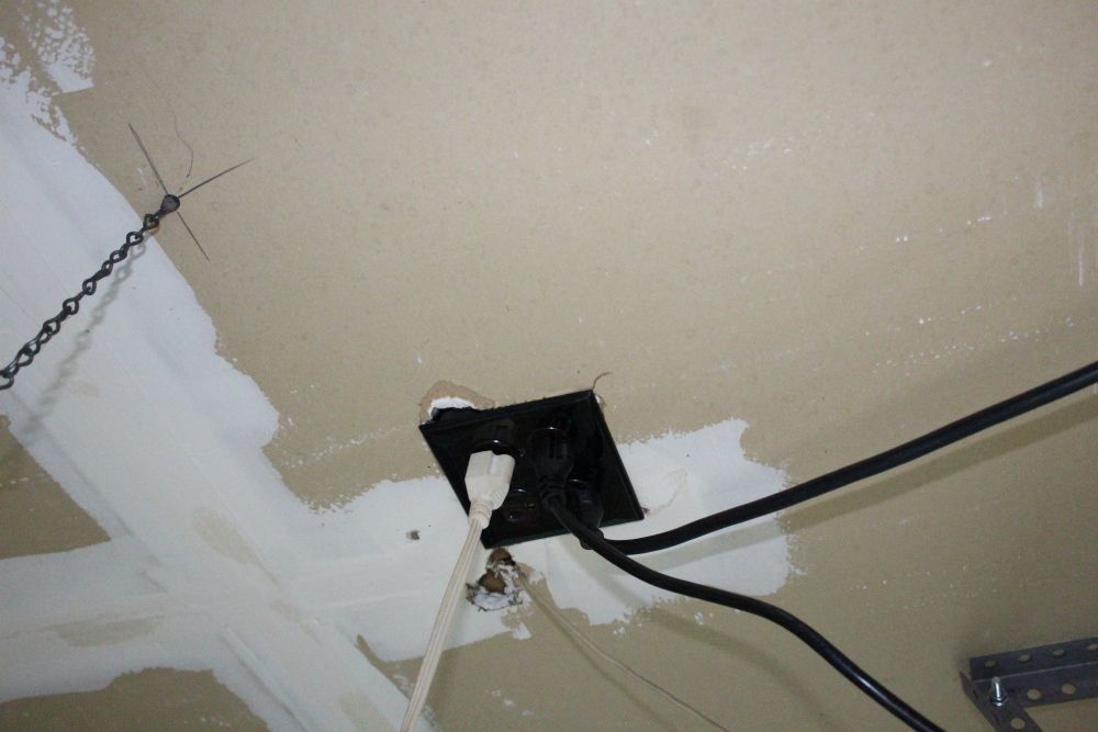 ng-sensible-solutions-only-available-electrical-outlet-on-ceiling