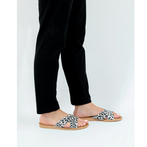Black & White Women's Summery Slippers exxab.com