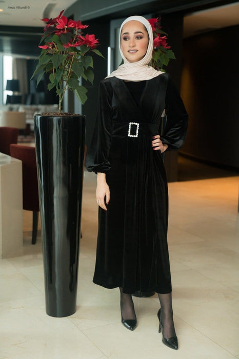 Black velvet dress with separated belt exxab.com