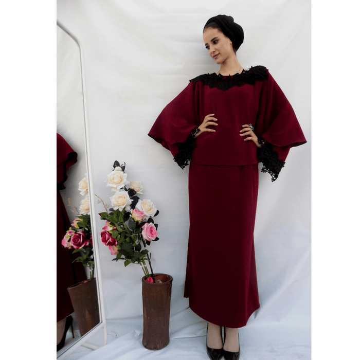 Dark red elegant dress with special black lace exxab.com