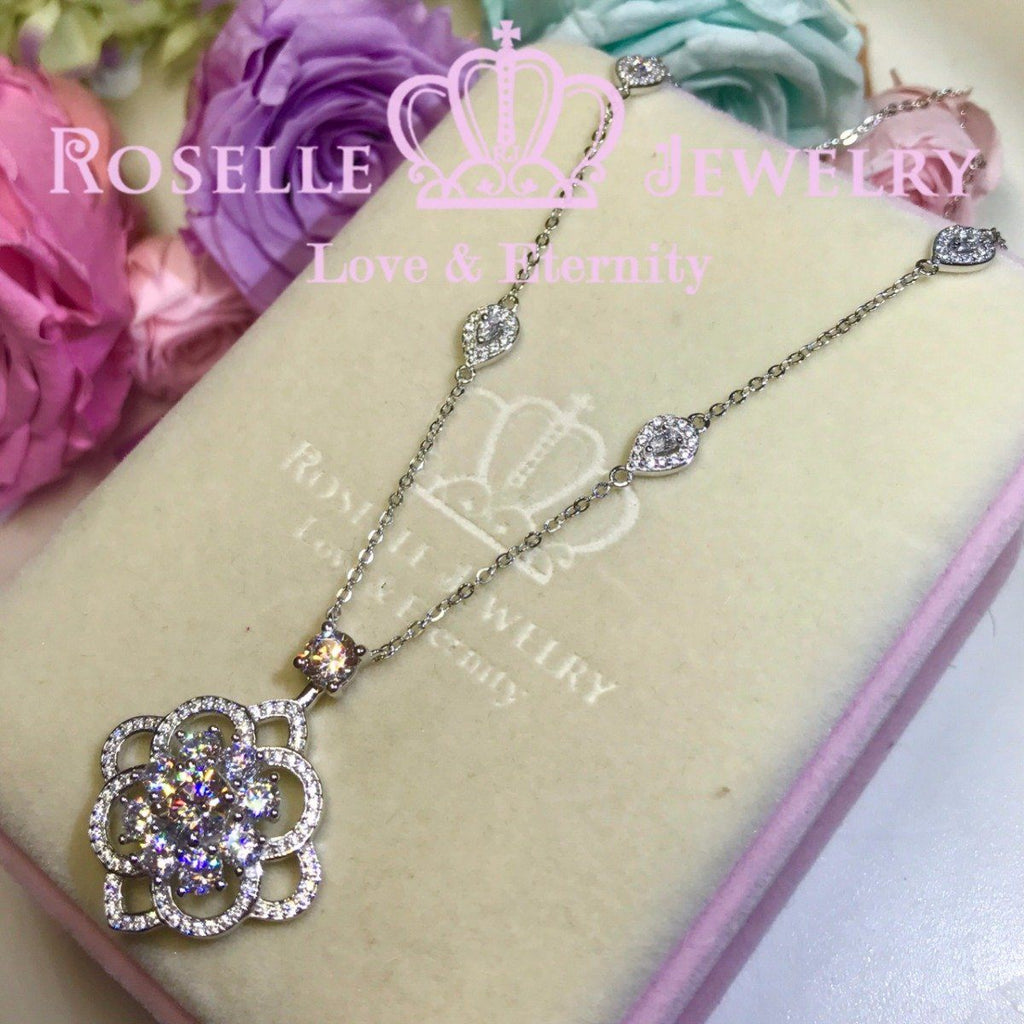 Luxury Floral Pendant Necklace - VN2 - Roselle Jewelry