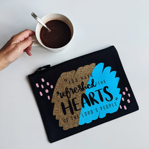 Refreshed The Hearts Zip Pouch - Grizzli Bear
