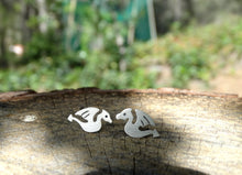 Load image into Gallery viewer, Targaryen silver stud earrings for her