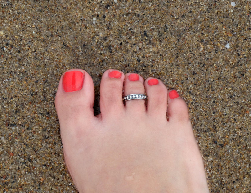 Silver toe ring for women
