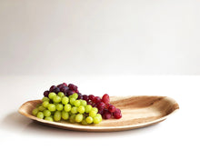 Medium 36cm palm leaf serving platter