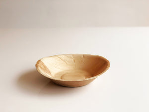 Medium round palm leaf bowl 18cm