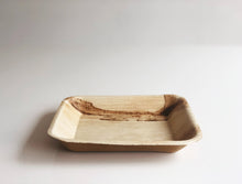 Medium square palm leaf plates 18cm
