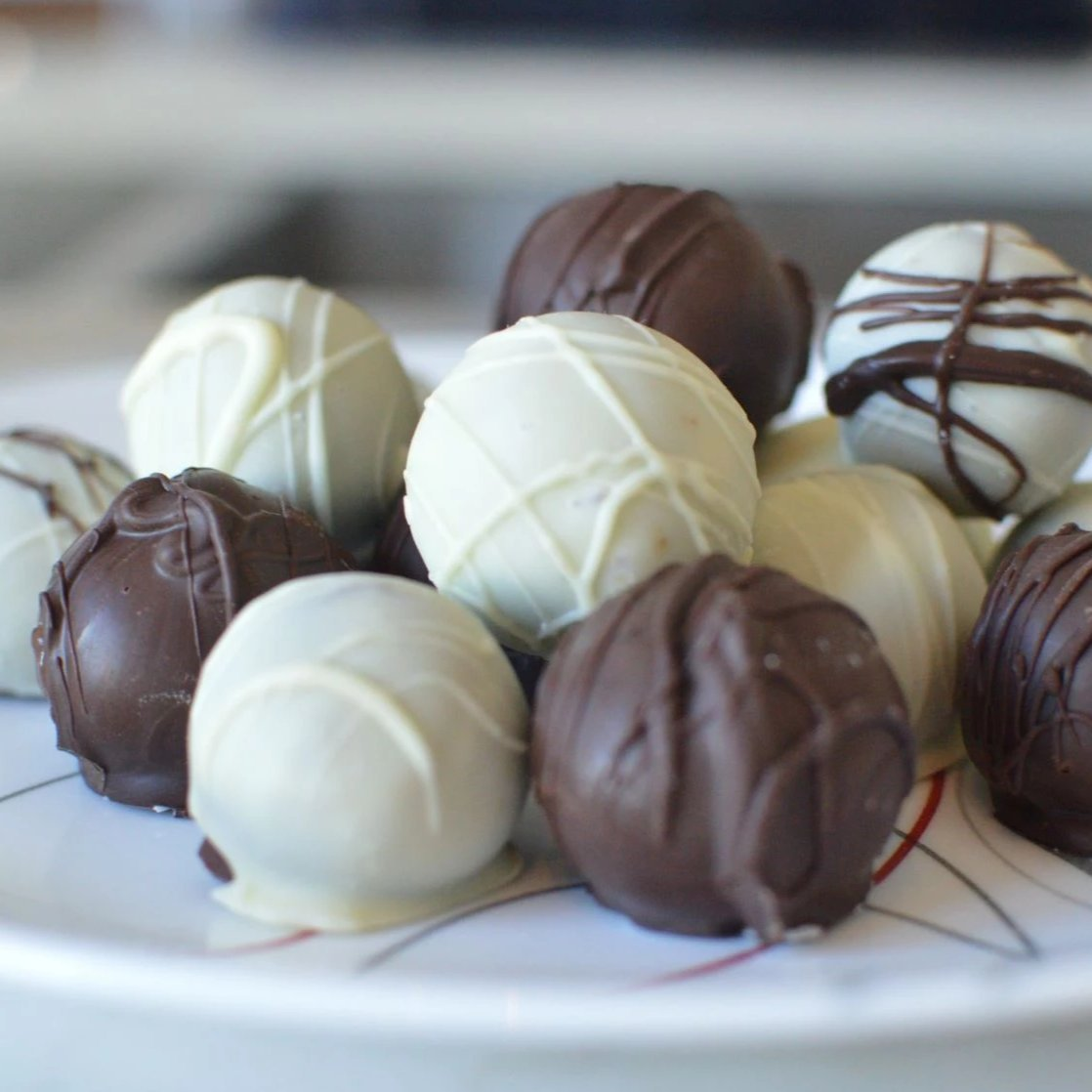 Caramel Mous au Chocolate Truffles (Dark & White) Evelyn R. Cooke - The #EvCooks Store
