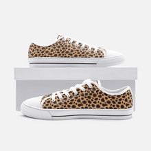 Load image into Gallery viewer, Unisex Low Top Canvas Shoes - Cheetah