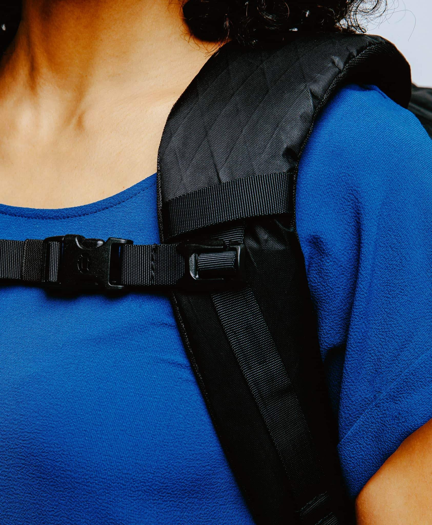 product/ Shoulder straps on Christina, 5'5""