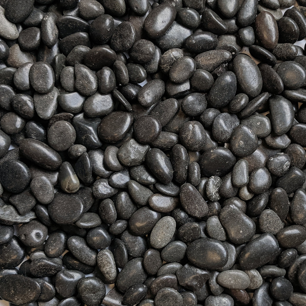 Decorative Polished Black Pebbles 3/8
