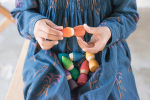 Loose Parts — Rainbow Tomtens, 6pcs