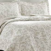 Laura Ashley Home Amberley Collection Luxury Premium Ultra Soft Quilt Coverlet, Comfortable 2 Piece Bedding Set, All Season Stylish Bedspread, Twin, Biscuit