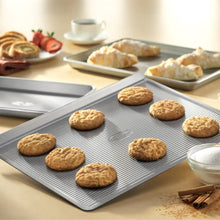 USA Pan Bakeware Aluminized Steel 6 Pieces Set, Cookie Sheet, Half Sheet, Loaf Pan, Rectangular Pan, Square Cake Pan