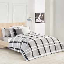 Lacoste Paris Comforter Set