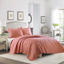 Laura Ashley, Coral, King Quilt Set