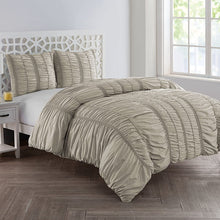 VCNY Home Holly Technique 3 Piece Ruched Design Duvet Cover Set, Full / Queen