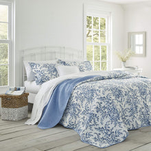 Laura Ashley Home Bedford Collection Luxury Premium Ultra Soft Quilt Coverlet, Comfortable 3 Piece Bedding Set, All Season Stylish Bedspread, Full/Queen