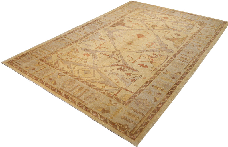 Ushak Collection Rug 6'8''x10'2''