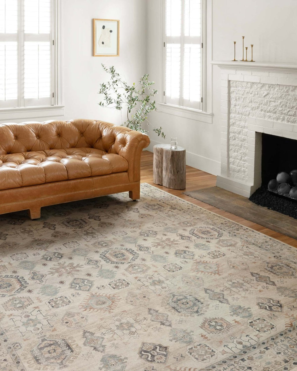 Hathaway Collection Rug in Beige / Multi
