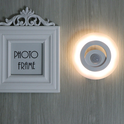 360 Degree Wireless Wall Lamp